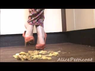 AlicePetticoat'd vid