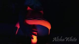 Alisha White'd vid