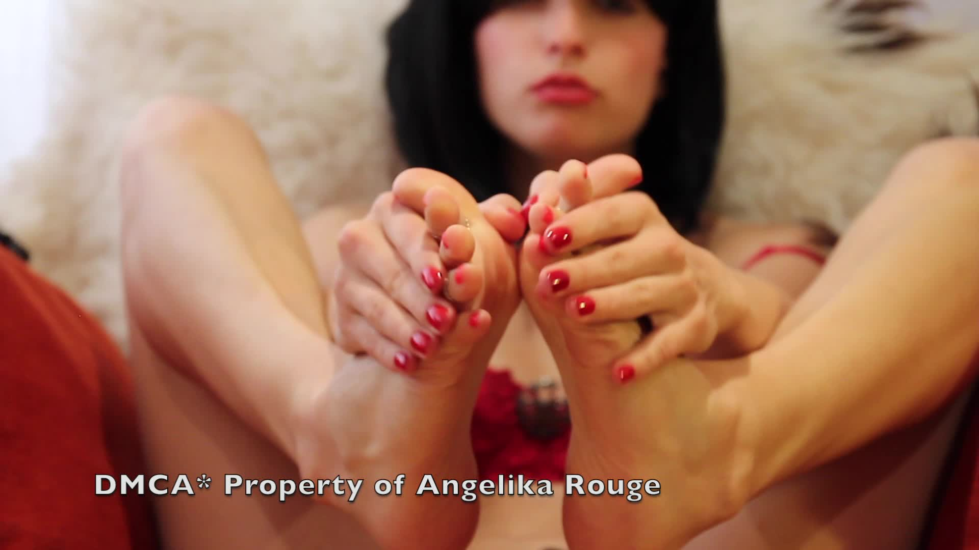 Angelika Rouge'd vid