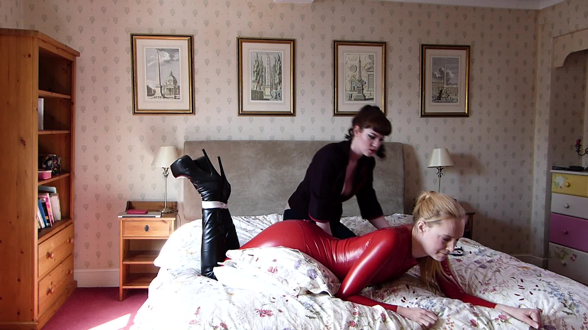 """Ariel Anderssen"" (Latex, Corporal Punishment, Spanking, Spanking F/F, Bondage) Strapped and Spanked in my Catsuit! - ManyVids Production"