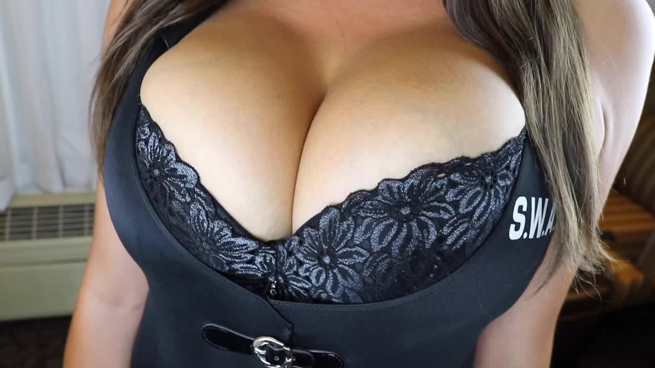 Miss Ashley Rebel'd vid