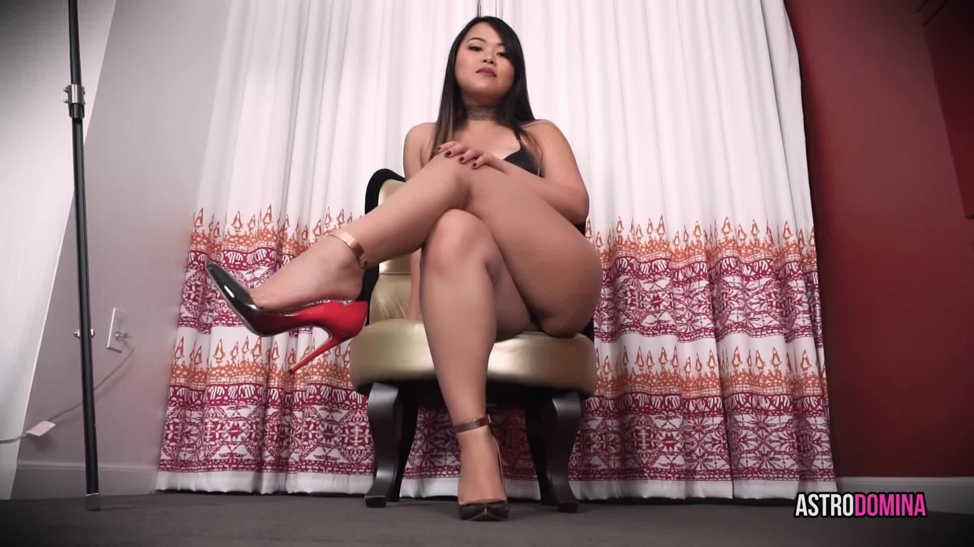 """""""AstroDomina"""" (Asian, Dangling, Foot Play, Legs, Shoe Fetish) YOUR MILD FOOT FETISH - ManyVids Production"""