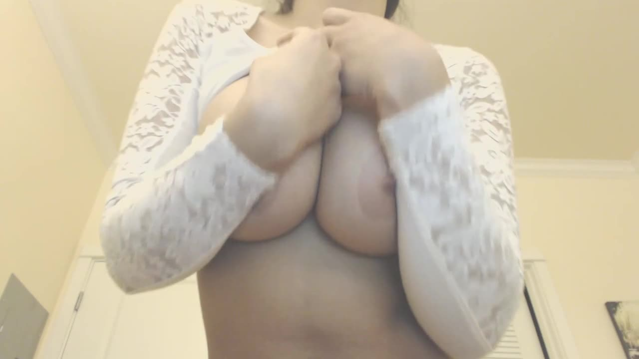 Bellabrookz real boobs