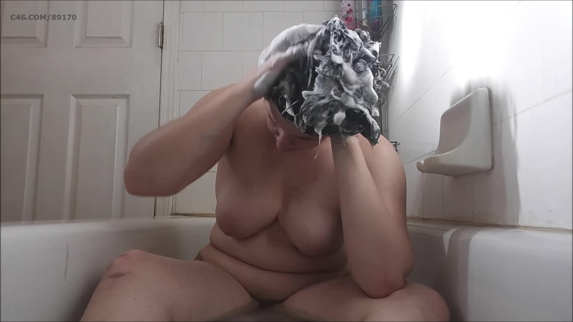 Booty4U's vid