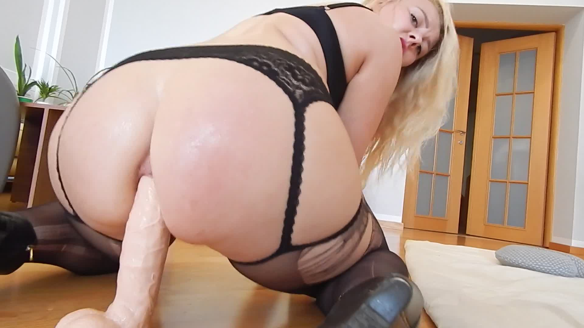Anal huge extreme toy 004