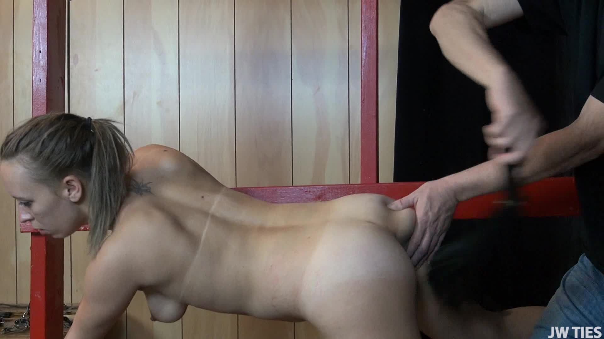DesperatePleasures69'd vid