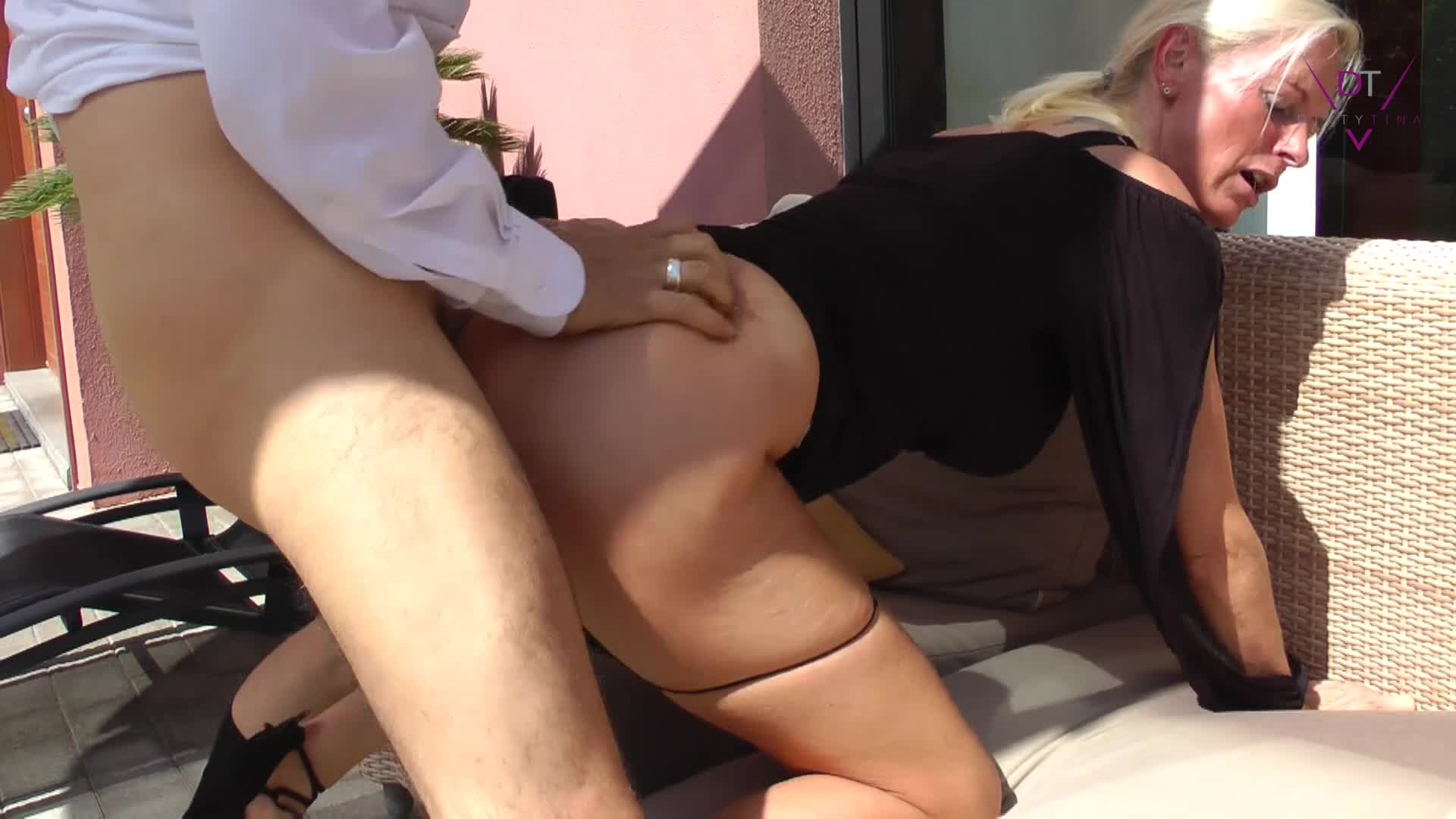 """""""DirtyTina"""" (Outdoors, Doggystyle, MILFs, Cumshots, Blow Jobs) I love the Summer - ManyVids Production"""