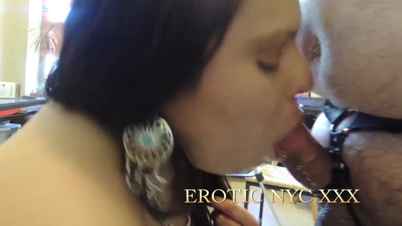 Erotic NYC XXX'd vid