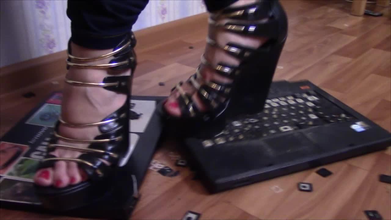 FeetFunDoll'd vid