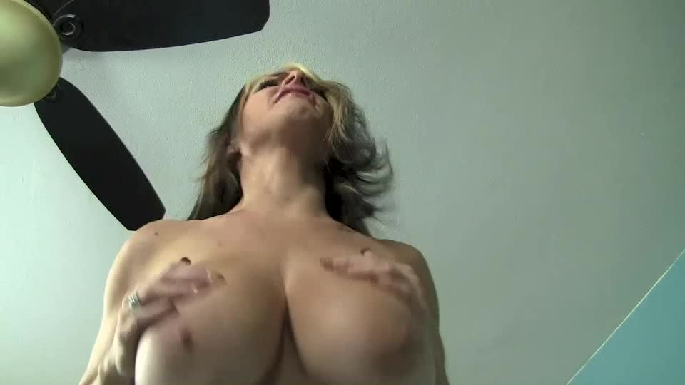 GOLDIE BLAIR'd vid