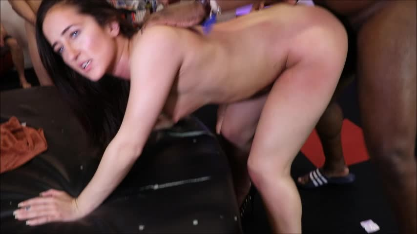 Gangbang_Party_Girls'd vid