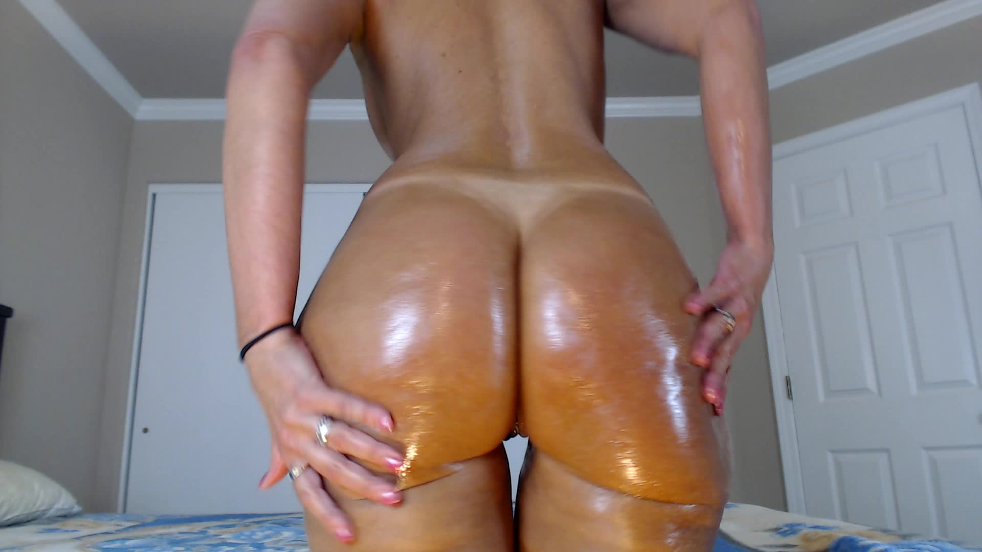 oiled booty shake