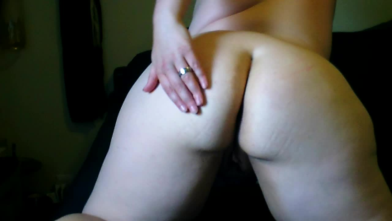 Kitten_Playtoy'd vid