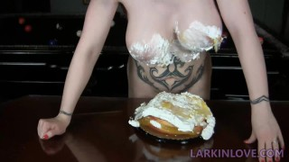 Larkin Love'd vid
