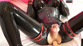 Latex Model Boy'd vid