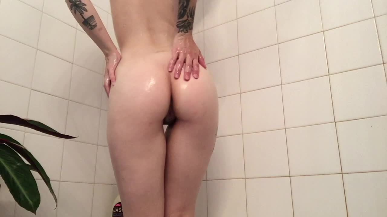 """LilKittenLuna"" (Masturbation, Orgasms, Shower, Shower Scenes, Solo Female) Shower Spy + Showerhead Orgasms - ManyVids Production"