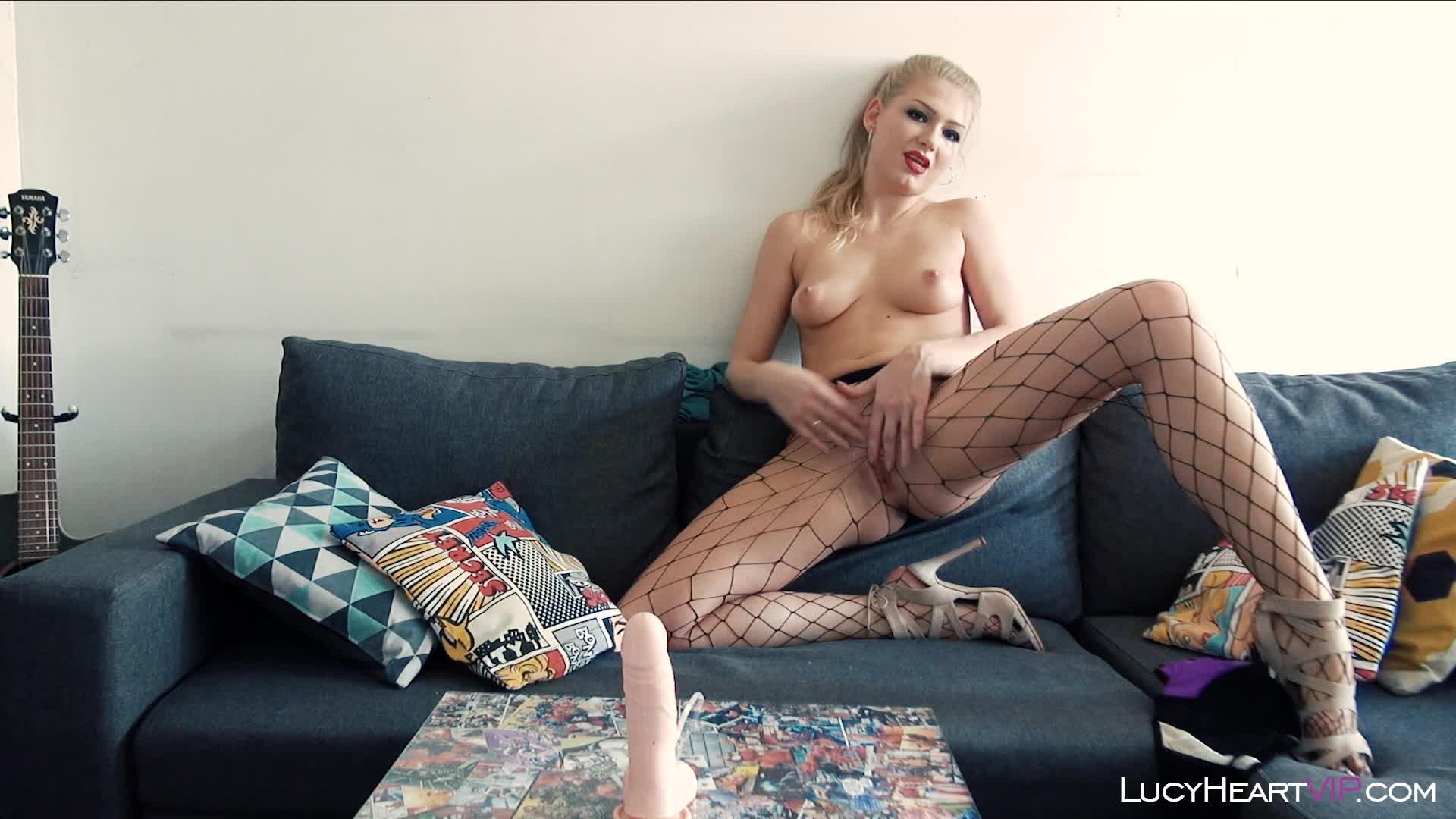 LucyHeartVIP'd vid