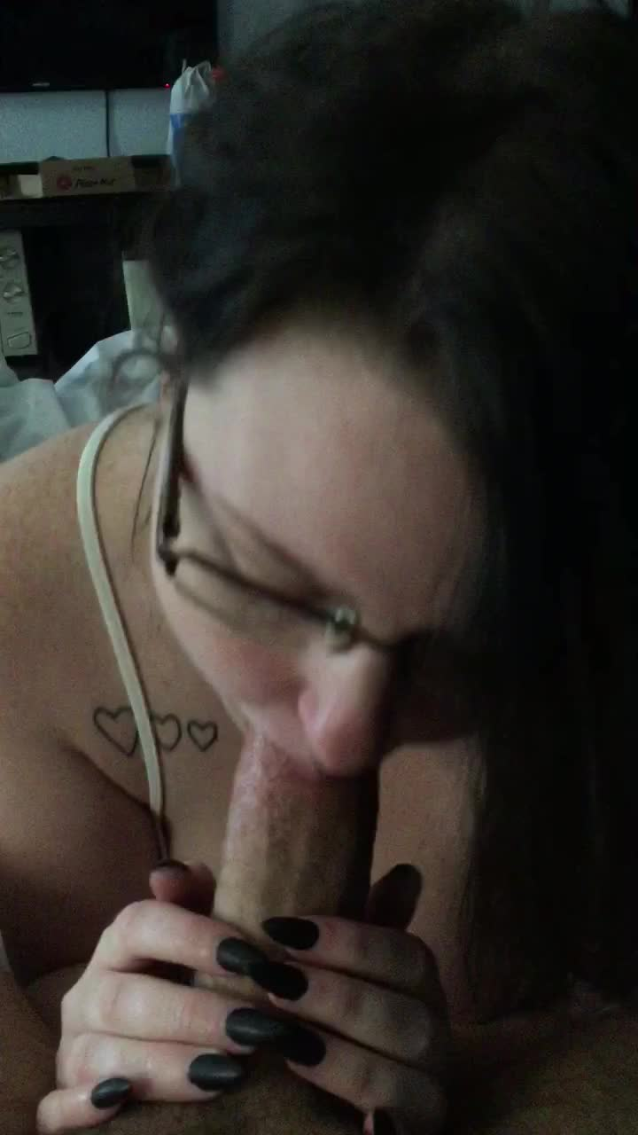 Skylar_Swallows'd vid