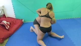 Sara Lips Wrestling'd vid