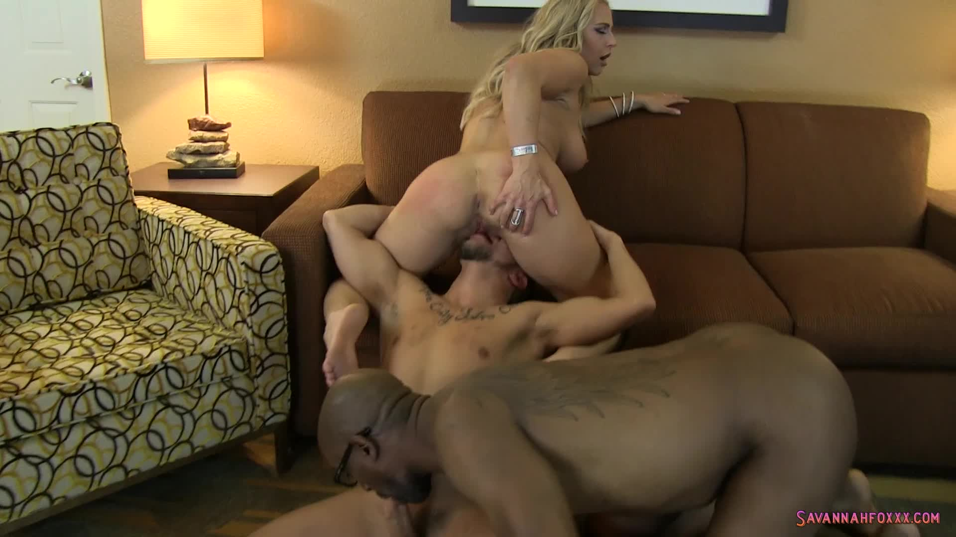 Savannah Fox'd vid