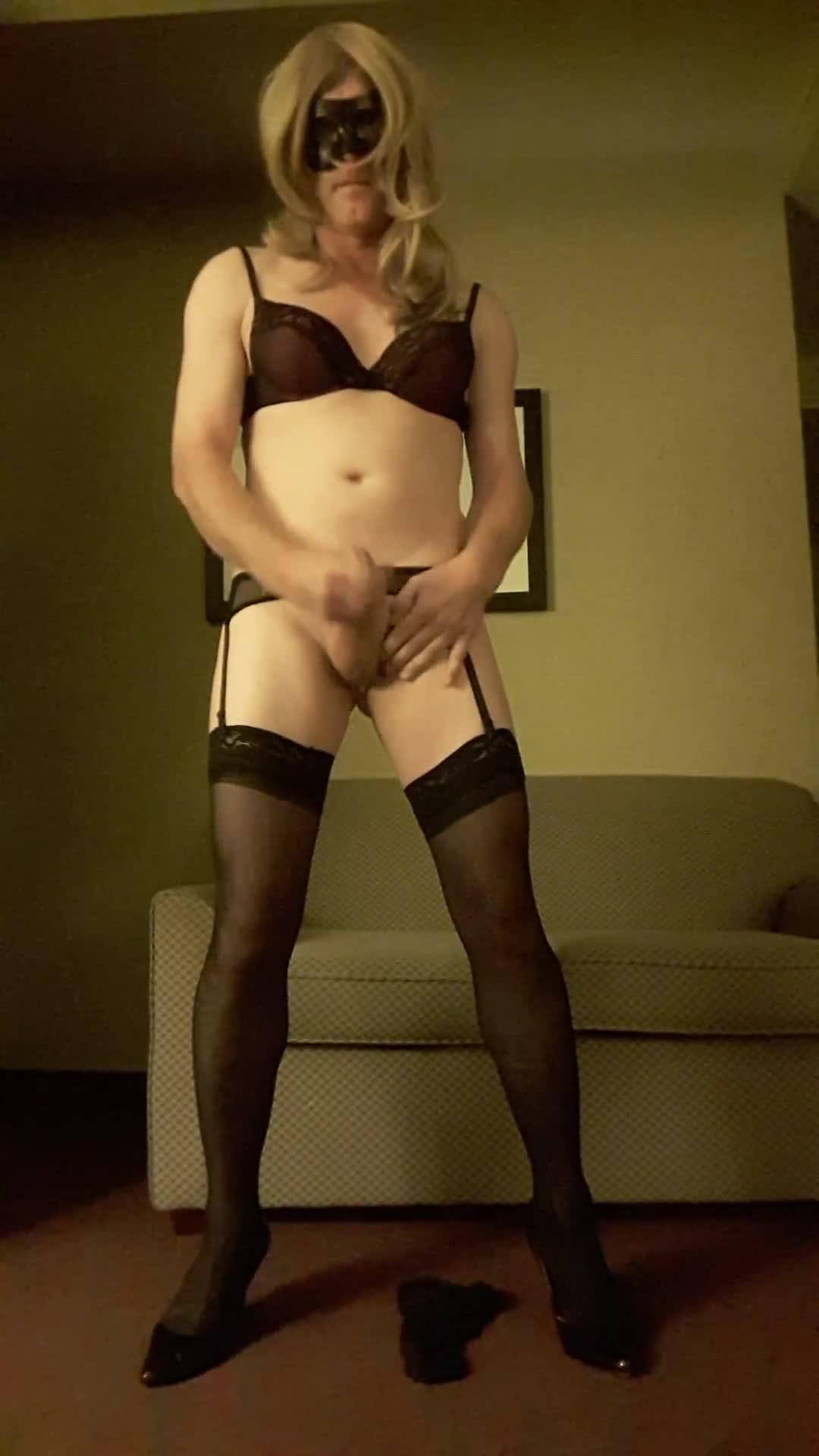 SexyBiCrossdresser'd vid