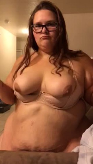 Strawberygirlxxx's vid