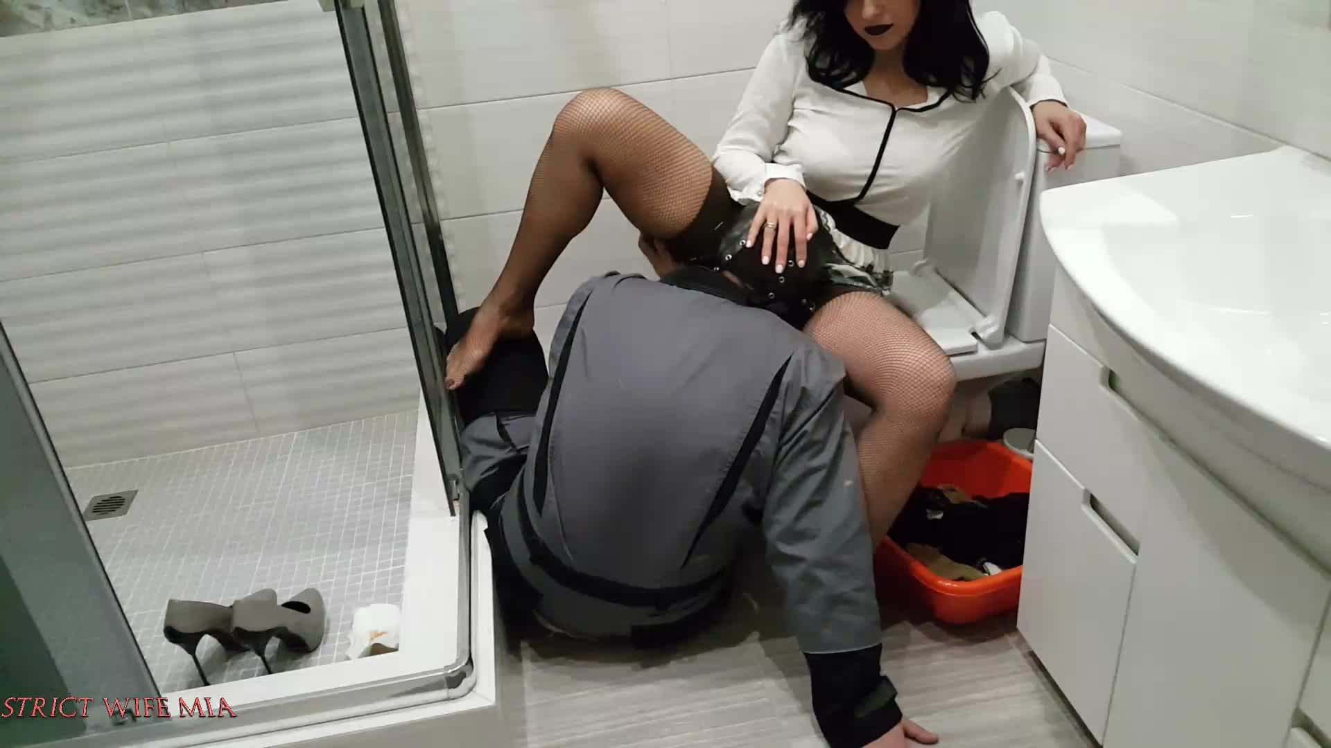 Toilet domination video — pic 13