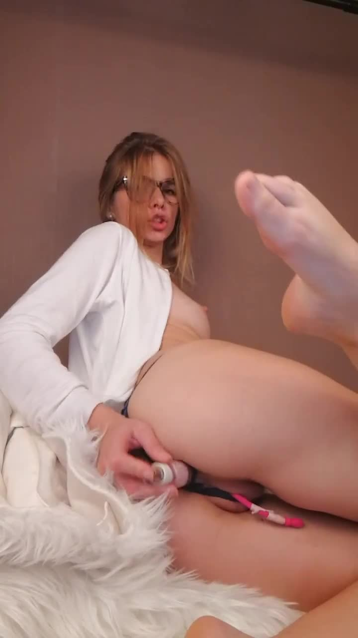 Teen Feet Masturbation Solo