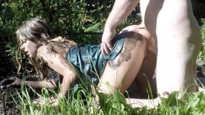 """TightCoupleStudio"" (Doggystyle, Outdoor Public Blowjobs, Public Blowjob, Silk & Satin, Outdoors) Mud and Satin - ManyVids Production"