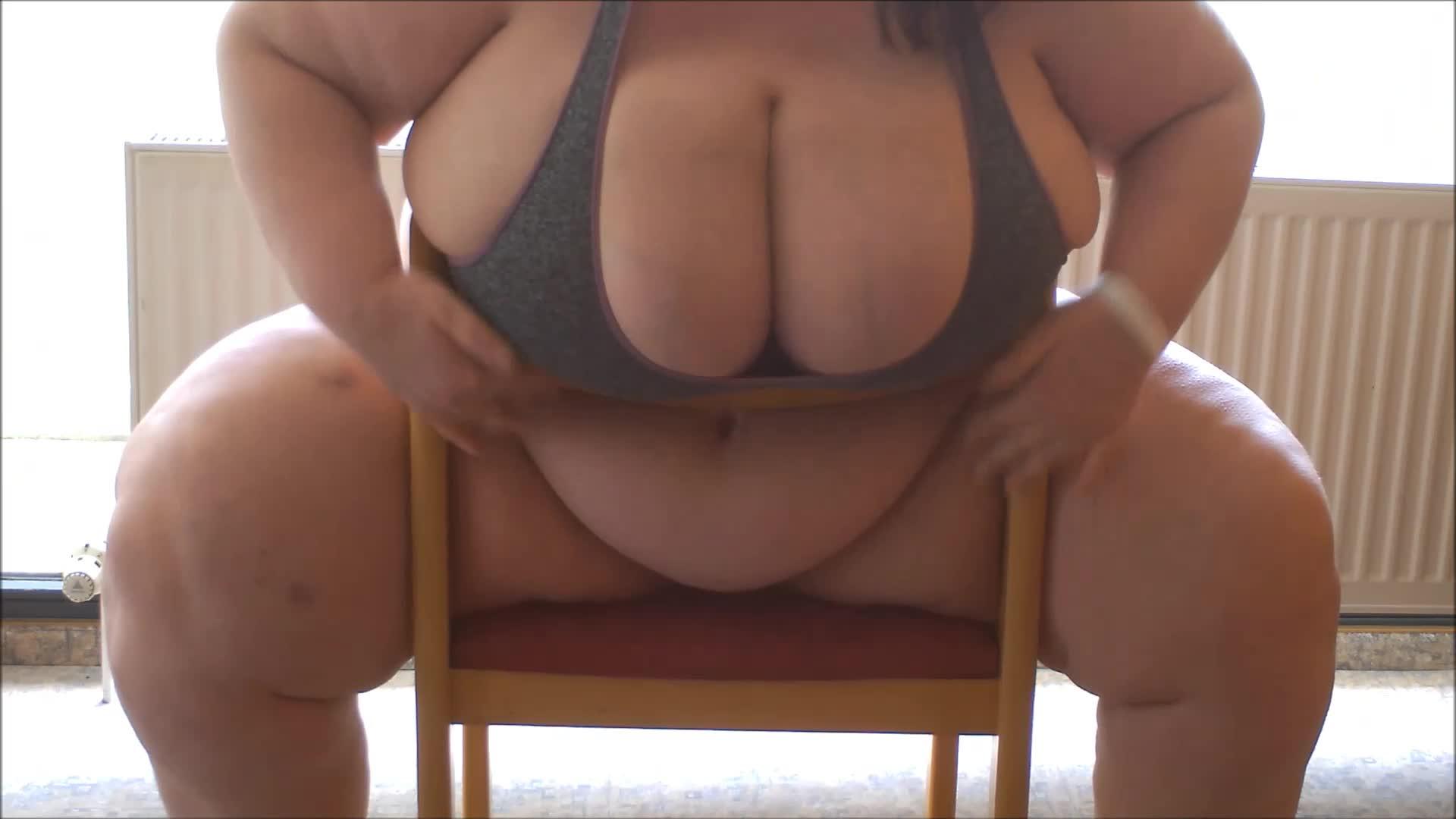 """Viola Tittenfee"" (Fat, BBW Goddess, Big Boobs, Big Legs, Big Tits) my fat body vs a chair - ManyVids Production"