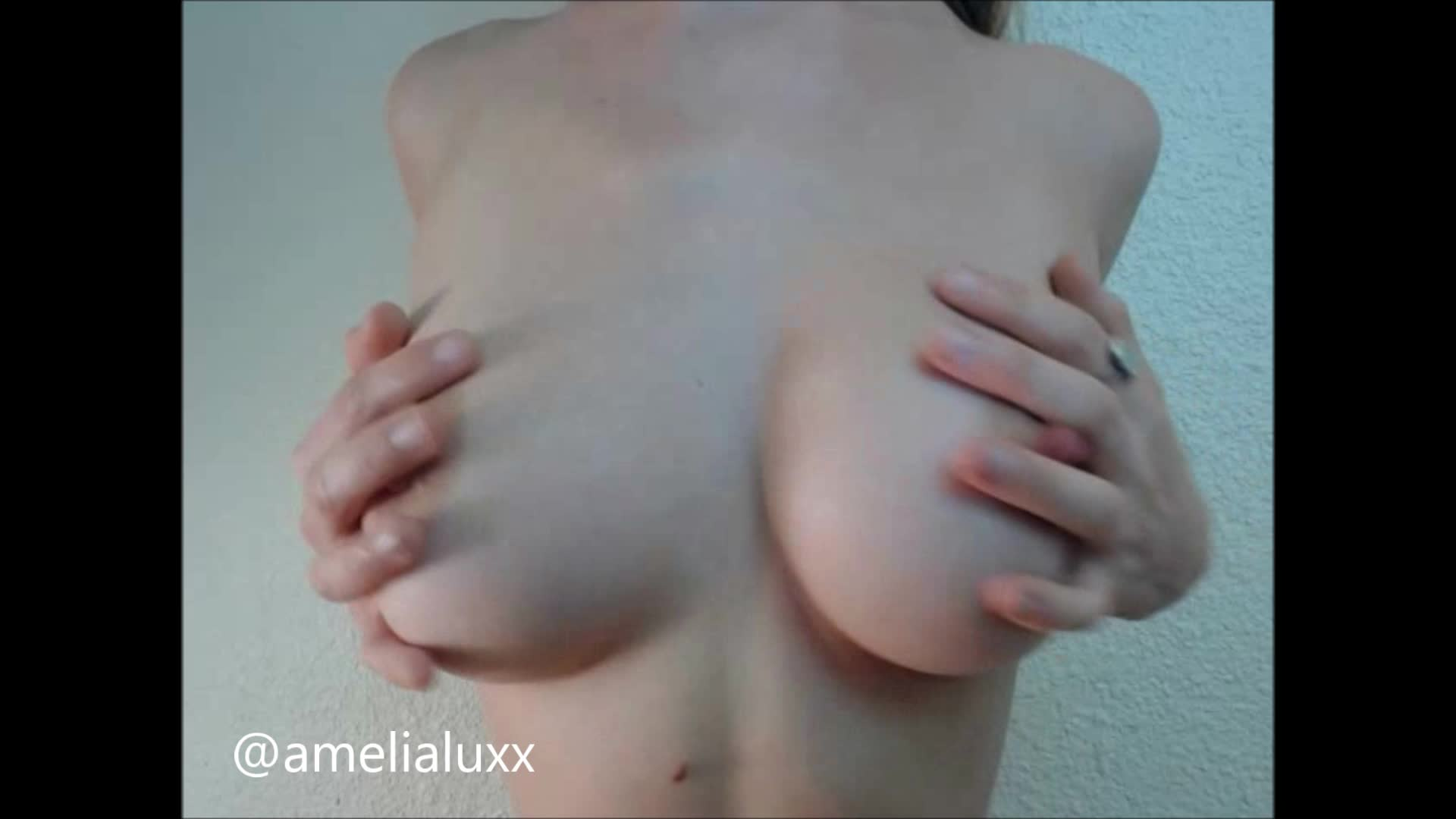 amelialuxx'd vid