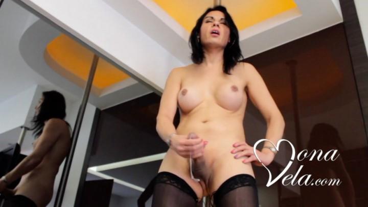 Mona Vela'd vid