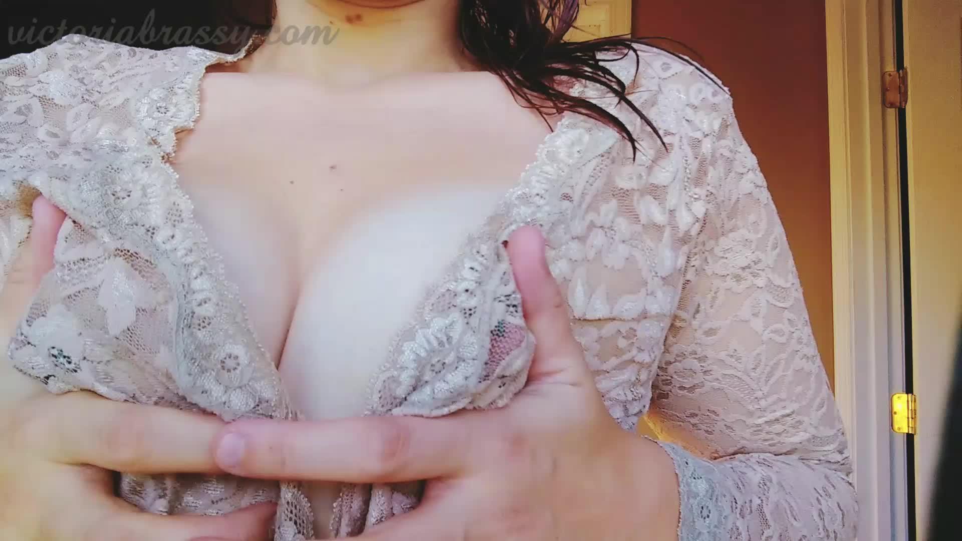 Victoria Brassy'd vid