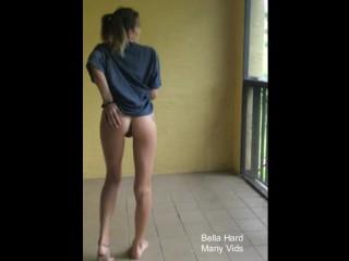 Bella Hard'd vid